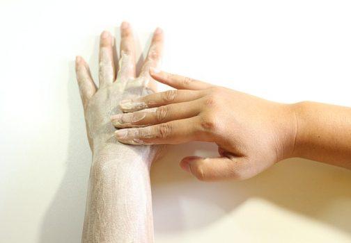 Peeling domowy lub z drogerii