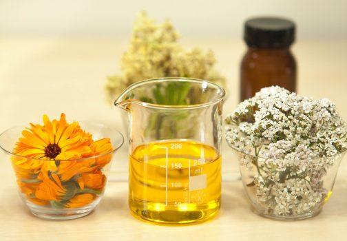 Jak stosować olejki eteryczne w pielęgnacji włosów