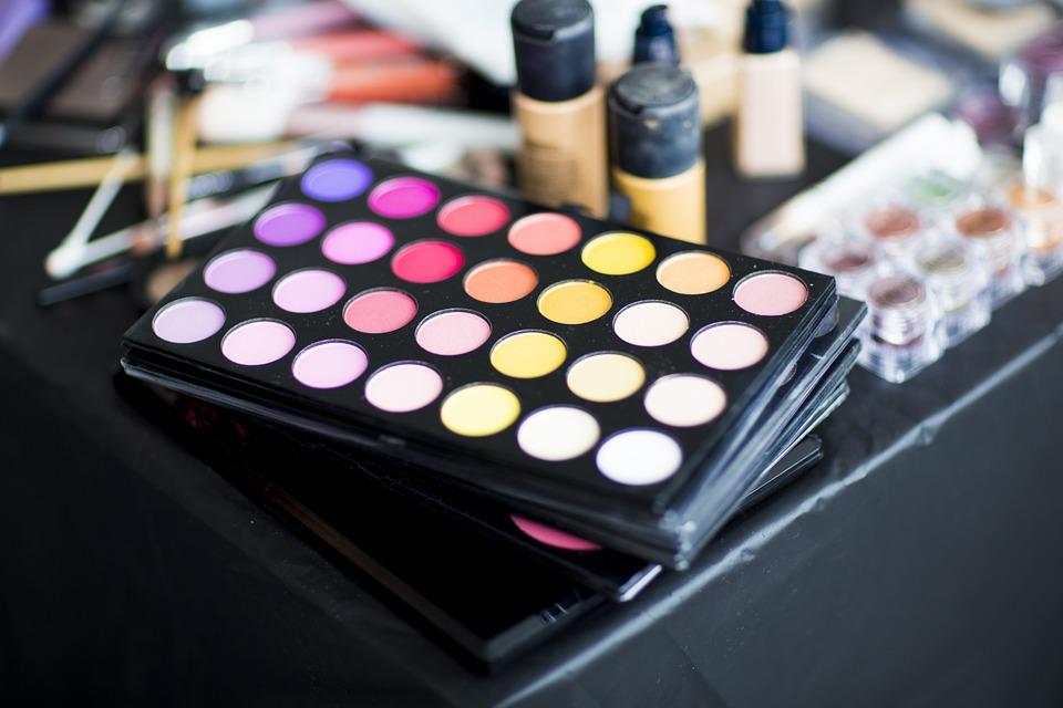 kosmetyki kolorowe do makijażu